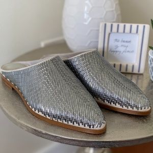 1. State Baten Metallic Pointed Toe Mules